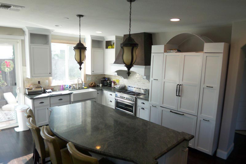 Kitchen Remodel Brings Family and Friends Together Using Retro Idea